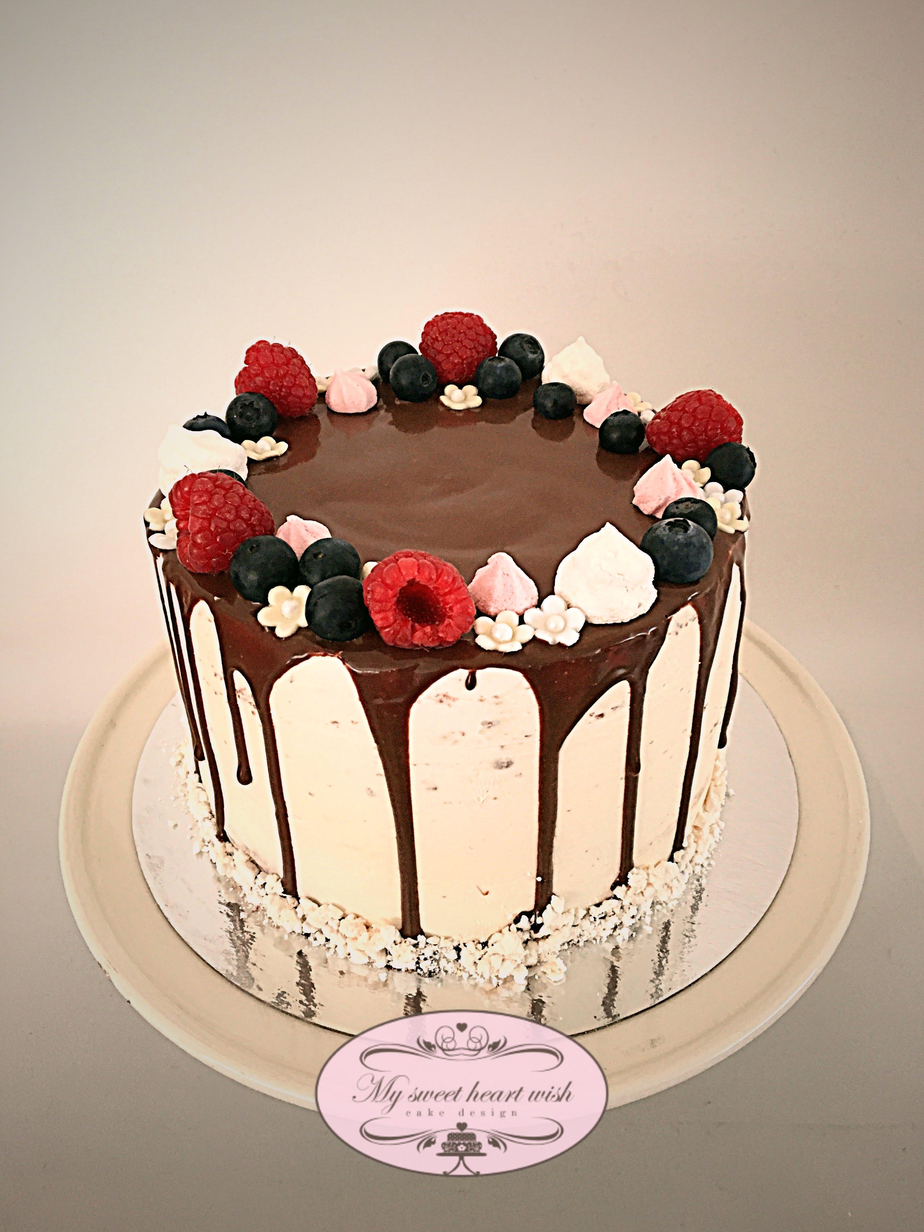 124 Drip cake